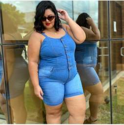Macacao jeans plus size