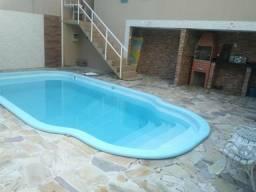 Vende se casa com piscina em Angra dos Reis