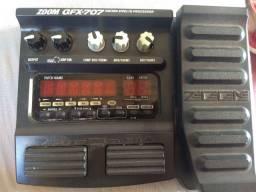 Pedaleira de Guitarra Zoom GFx707