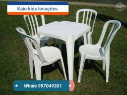 mesas e cadeiras 8$ o jogo