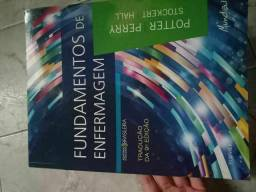 Livro da área de Enfermagem Fundamentos de Enfermagem