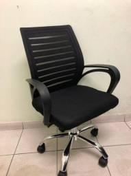 Cadeira Viena diretor base cromada.