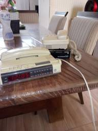 Teledone fixo funcionando reliquia com alarme e radio