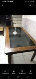Mesa com tampa de vidro fumê