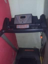 Uma esteira ergométrica magnética Athletic advanced 430 EE