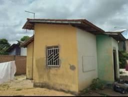 Vende se casa no equatorial