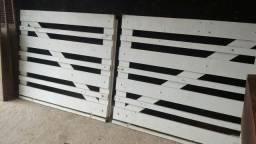 Portão de madeira Ypê $ 420.00