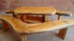 Mesa rústica de varanda (para jogo) com 2 bancos