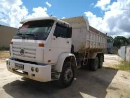 Caminhão caçamba - 2004