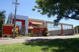 Excelente armazém localizado à Av Tiradentes, próximo ao parque de Exposições