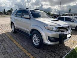 Toyota Hilux SW4 SRV 2013 7 Lugares - 2013
