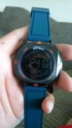 8a8e1ae40a3 Relógio mormaii 200m
