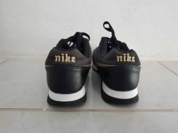 Tênis Nike infantil 35 usado mas ta semi novo