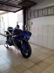 YAMAHA R1 2011 Azul