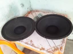 Vendo dois alto falante de 15 Pol 550 wtl