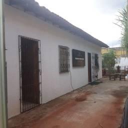 Vila com duas casas