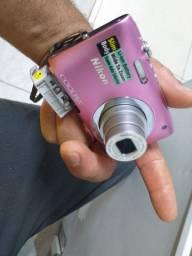 Câmera Nikon semi nova  pra vende ou troca  valor 150.00