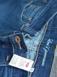 Lote de Calcas semi novas jeans por 50reais 14 unidades