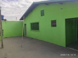 Vende-se Casa com 02 Dormitórios no Parque Serra Negra - Botucatu/SP