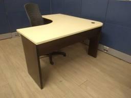 Mesa para escritório seminova