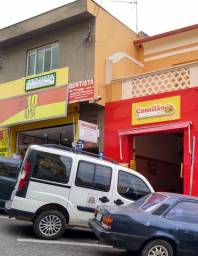 Vendo ou alugo (Centro ao lado do mercado municipal)
