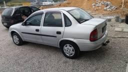 Vendo Corsa sedan 2001 1.0 preço(10.000$)
