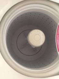 Vendo máquina de lavar está nova mais com problemas.a