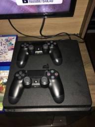 PlayStation 4 - Incluído 6 jogos e 2 controles