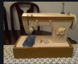 Máquina de costura 247 em ótimo estado
