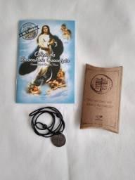 Livro ofício da Imaculada Conceição + medalha das 2 cruzes