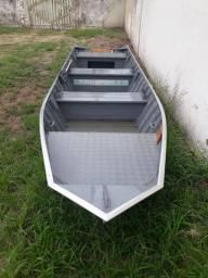 Barco semichata 5.50mts plataformado