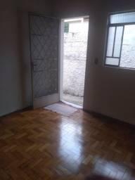 Casa de 02 quartos - Bairro Coqueiros