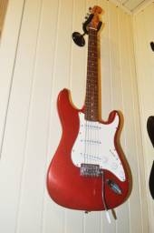 Guitarra Shelter USA Seminova com todos os acessórios