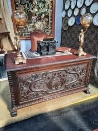 Escrivaninha Imbuia entalhada R$ 7.800,00