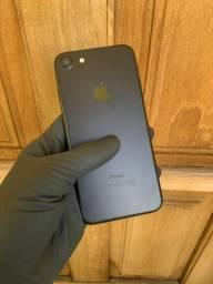 iPhone 7 - 128gb - Preto Fosco