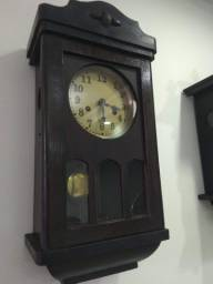 Relógio centenário junghass