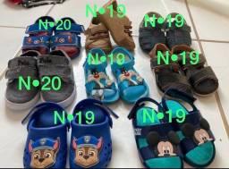 Vendo lote de sandálias e sapatos