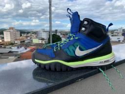Botinha Nike, 42.