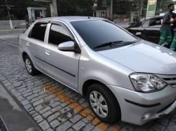 Toyota Etios Sedan 1.5 14/14