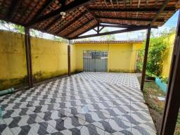 Casa com 04 quartos para aluguel e venda. Cod: 5044