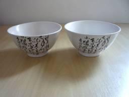 Conjunto de Tigelas de Porcelana ( 16 cm x 8 cm ) ( Novas )
