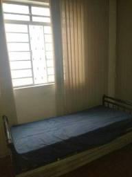 Alugo quarto mobiliado p/ rapaz no Bairro Gutierrez/BH