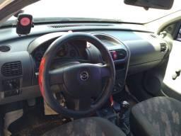 Corsa Maxx com ar condicionado ,ano 2005/2005