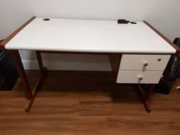 Escrivaninha / Mesa para escritório com gaveta
