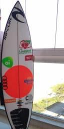 Prancha de surf modelo DFK do Gabriel Medina
