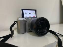 Camera Sony Semiprofissional NEX - F3 *NA CAIXA*
