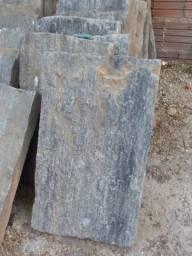 24 Pedras 35 X 60 semi novas