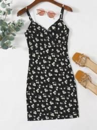 Vestido femenino curto colado