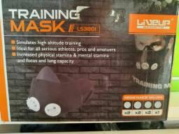 Mascara de treinamento funcional