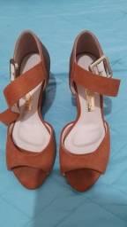 Roupas e sandália